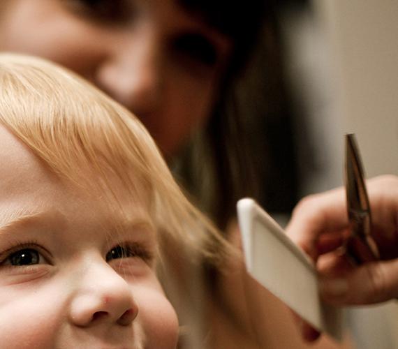 5 saveta kako ošišati malo dete koje odbija saradnju
